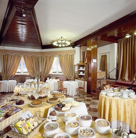 Hotel baita dei pini ski italy for Hotel meuble sertorelli reit bormio